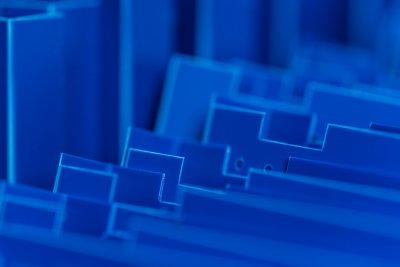 Material im Detail - hier durchgefärbte Kunststoffplatten.