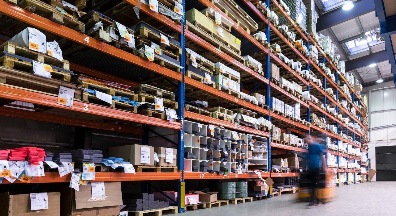 IFFLAND Versand & Logistik - Lagerhaltung