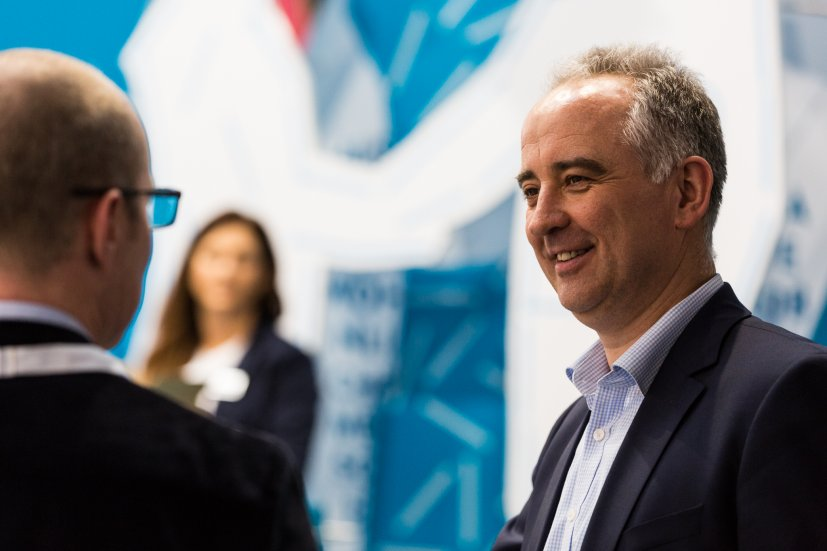 Messegespräche auf dem Stand der IFFLAND AG auf der Euroshop 2017.