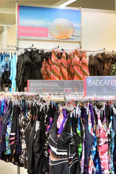 Adler Mode Märkte Plakat Bereichsbeschilderung zur Warengruppenorientierung