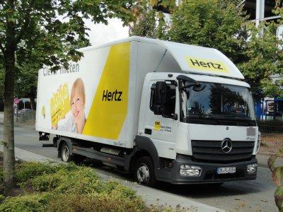 Hertz LKW Beschriftung
