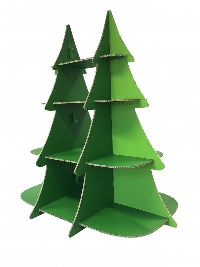 Aufsteller Weihnachtsbaum als tragfähiges Regal aus Wabenkammer-Karton, digital bedruckt.